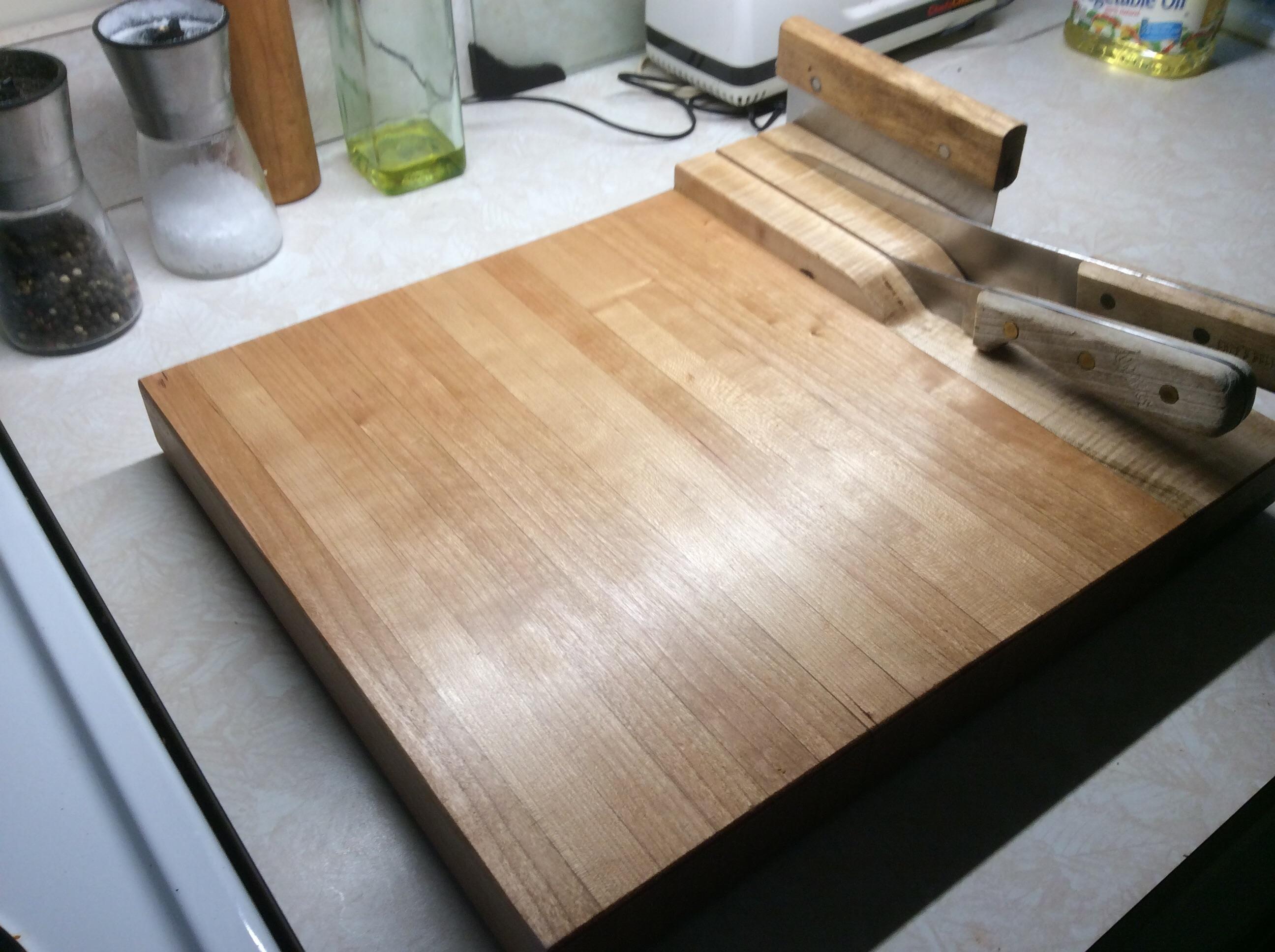 Magnetic Knife Storage Cutting Board.