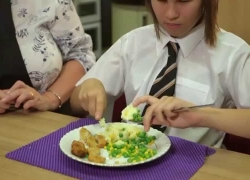 NCW How To Eat Using Cutlery